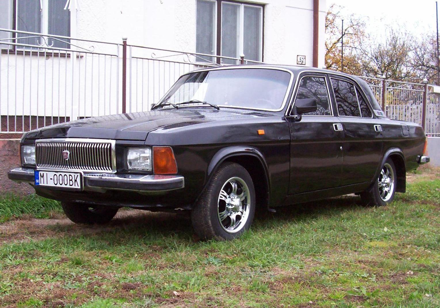 Russia: Volga 3102 (In black)